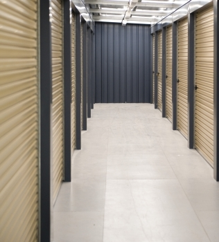 10 USES FOR A SELF STORAGE UNIT