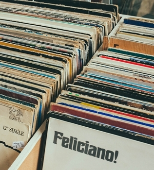 Store your vinyl records in Mornington Peninsula Self Storage