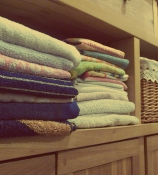 Use Self-Storage When Decluttering Your Wardrobe